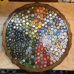 Mesa de tampinha de cerveja