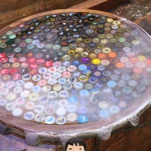Tampo da mesa em resina epóxi após lixamento